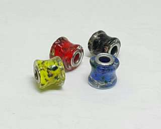 16pcs Randomly Mixed Glass Beads