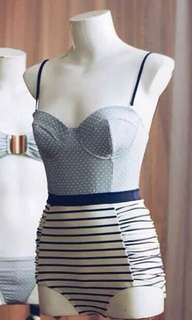 LOOKING FOR Anemone one-pc. swimsuit