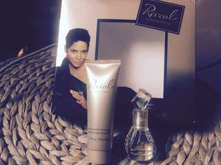 Halle berry perfume and body bath