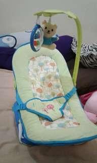 bouncher baby elle warna hijau biru