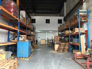Loyang Marine workshop With open yard