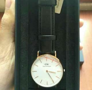 DW Classic Sheffield Gold (ORI)