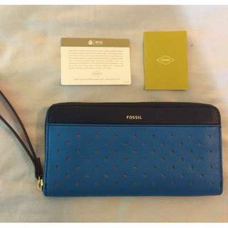 NEW with Tags Fossil RFID Zip Around Leather Wallet