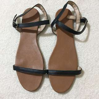 👠ONHAND LILIW SANDALS - SIZE 9 (26CM)