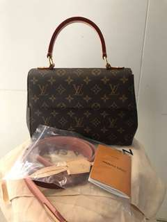 LIKE NEW LV Clunny BB 2018