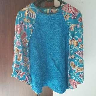 Code : Blouse Batik Biru