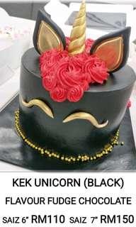 Unicorn cake (choco fudge) black