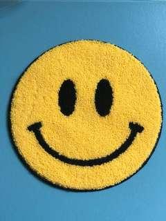 "😊特大6""笑臉勾冷刺繡熨縫章 Happy face jumbo chenille embroidery iron-on patch"