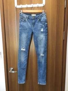 ♻️ Mango 淺色刷破顯瘦牛仔褲 (MNG Jeans) - EUR 36