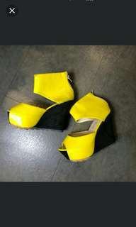 🚚 黃色楔形鞋
