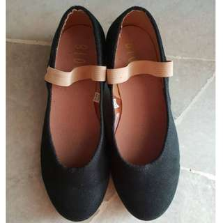 Bloch S0315G - Karacta Flat Character Shoe