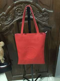 FREE..buy a shoes & get this red bag for FREE...