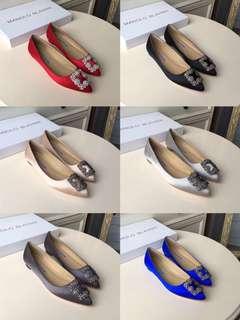 女神鞋!【兩件包郵】MANOLO BLAHNIK 閃閃的黑鑽緞面淺口尖頭平底單鞋。原版定制真絲面料,內里山羊皮,意大利進口真皮皮底。