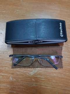 Kacamata Techo Japan