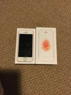 URGENT: Apple iPhone SE perfect condition rose gold with box and headphones