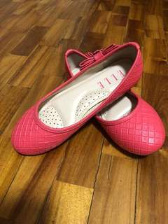 New Pink girls shoes