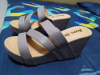 Wedges size 37