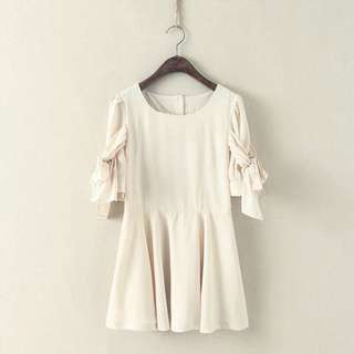 日本單 超靚得2件 33胸 包郵!米白色 絲帶袖 少女連身短裙 AS995563