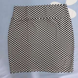 COTTON ON BLACK AND WHITE CHECKERED SKIRT EXTRA SMALL