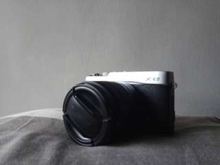 Fujifilm x e2 with 16-50 lens