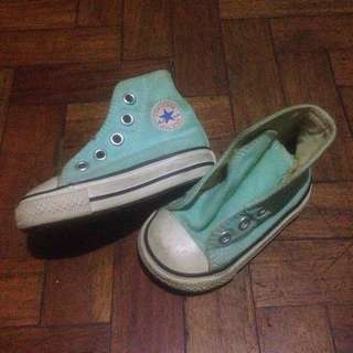 Authentic Chuck Taylor (Converse)