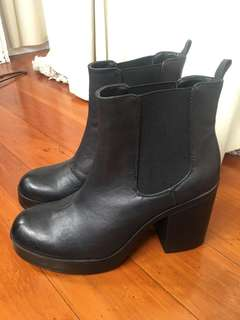 Glassons boots - Size 9