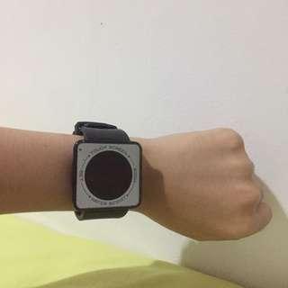 Jam Tangan Unisex Pria Wanita Touch Screen Murah