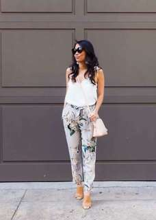 White top gray floral Pants terno