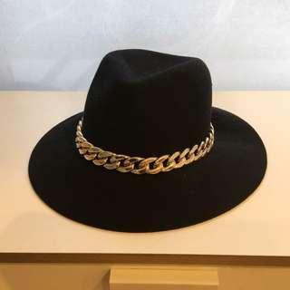 Black Bardot wide-brimmed hat (100% wool)