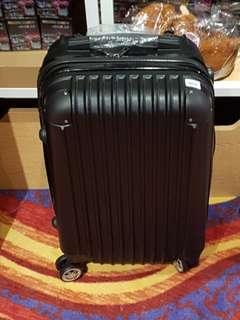 """Luggage in Black - Cabin Size 20"""""""