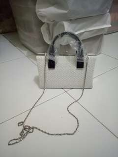 Tas putih