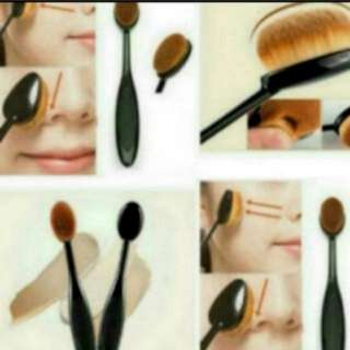 Skin Adhering Foundation Brush