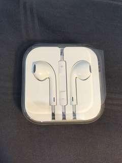 Apple earpieces