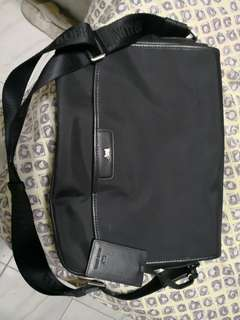 Braun Buffel Messenger Bag