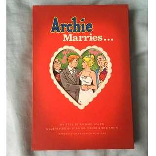 Archie Marries... (Betty/Veronica) Hardbound