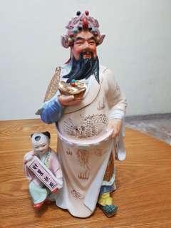 Guan gong statuette