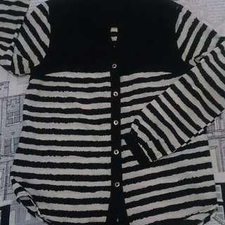 Blouse black n white