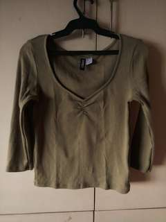 H&M DIVIDED Olive Green crop-top