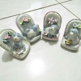 pajangan keramik anjing