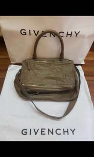 Preowned 100% Authentic Givenchy Pandora