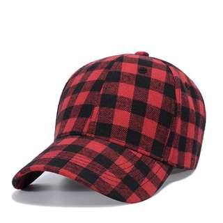 紅色格紋棒球帽