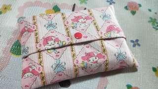 🚚 Tissue pouch