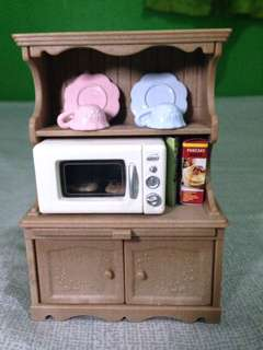 Sylvanian Cupboard with Oven Set