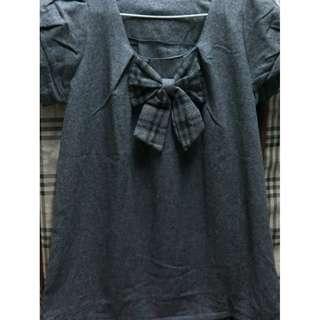 蘇格蘭風灰色蝴蝶結上衣只要190元