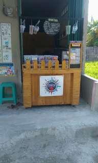 Di jual booth usaha bekas minuman & lemari .