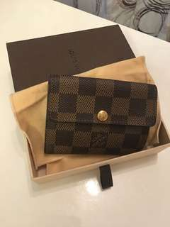 Louis vuitton 格仔細銀包💯%real 95% 超新