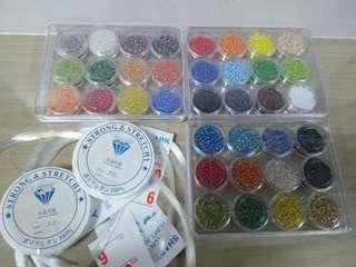 36 color beads + 2 elastic strings + 5 nylon string