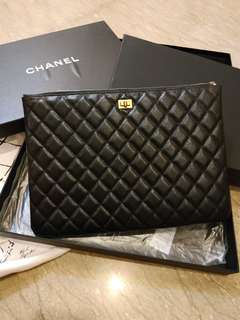 CHANEL CLUTCH LIKE NEW CKMPLETE SET MIRROR QLTY