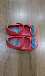 Girl's shoes 3-4yrs new