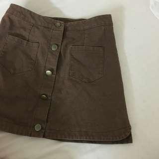 🚚 棕色排扣短裙